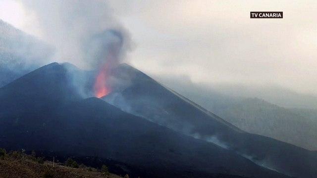 Live Stream: La Palma volcano continues erupting