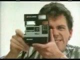 Qui qui c'est qui joue dans cette publicité des 80's ? ^^