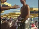 Yasser danse à la plage mdrrr !!! (Algérie été 2008)
