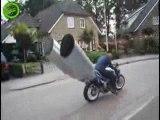 Moto échappement