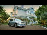 pub-toyota-rav4-happy-together