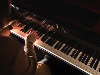 "Cyprien Katsaris talks about Yamaha ""Avant Grand"" (December 2008)"