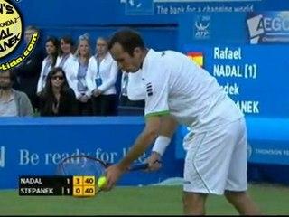 Nadal ejecutando puntos espectaculares en un mismo juego vs Stepanek R3 QUEENS 2011