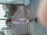 Gitane qui dance trop trop bien LOL