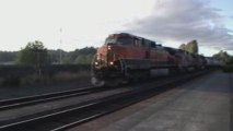 BNSF #1104 Passes slowly through Kelso