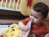 kylian avec ses jouets