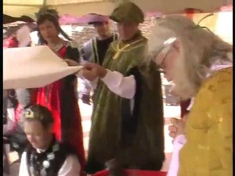 Video Mariage médiéval par les troubadour d'Aliénor