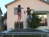 La fille de Régis au trampoline