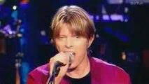 David Bowie > I'm Afraid of Americans (HQ)