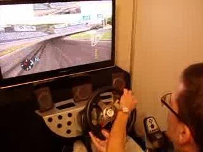 Salon du jeu video 2009 Simulateur de jeu de voiture