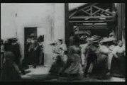 Cinéma des frères Lumières  - 1895 - La Sortie des Usines