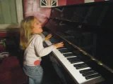 camille delire sur le piano