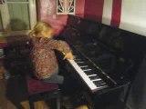 marie delire sur le piano