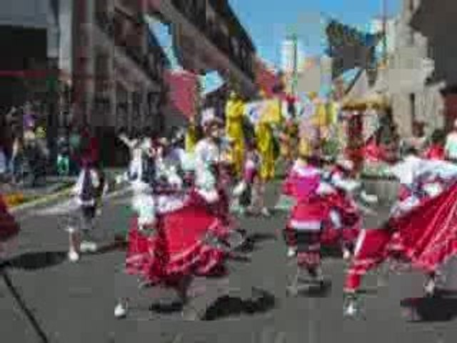 Défilé de fête à Arequipa