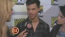 ET with Taylor Lautner Kristen Stewart at Comic Con