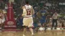 NBA Matt Barnes throws a nice pass to Vince Carter, who fini