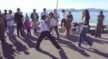 Tina & Vanessa dansent la capoeira