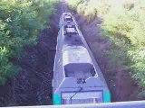 BB 75110 et BB 75093 passage sous le pont de Luisant
