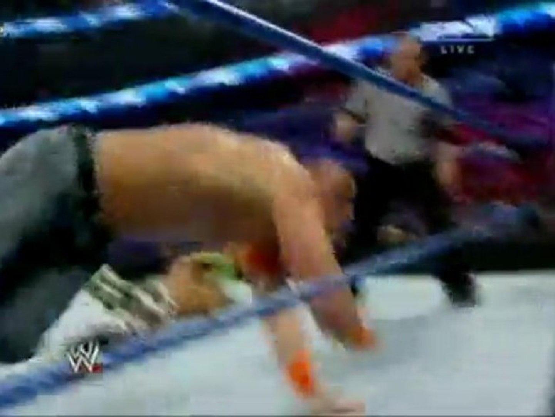 Triple H vs Shawn Michaels vs John Cena - Survivor Series p1