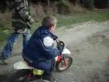 1er fois que nolan fais de la moto
