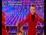 Des jumeaux massacrent Britney Spears... Oops! (X Factor)