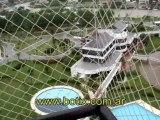 Cerramiento de red de seguridad en balcon con techo plastico
