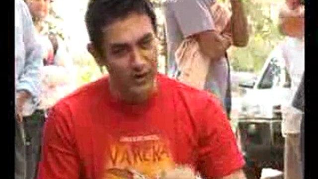 Aamir khan Celebrates his 44th Birth Day