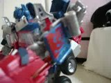 Transformers Stop Motion-Optimus Enter In The City