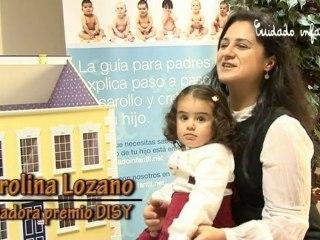 Premio a la ganadora del Baby Photocall