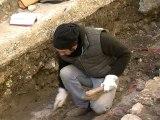 Arles : des fouilles au théatre antique
