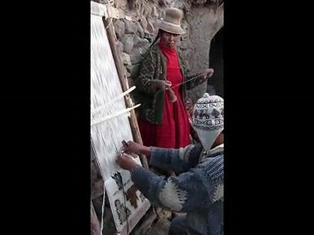Tissage de tapis en direct live près de Sillustan