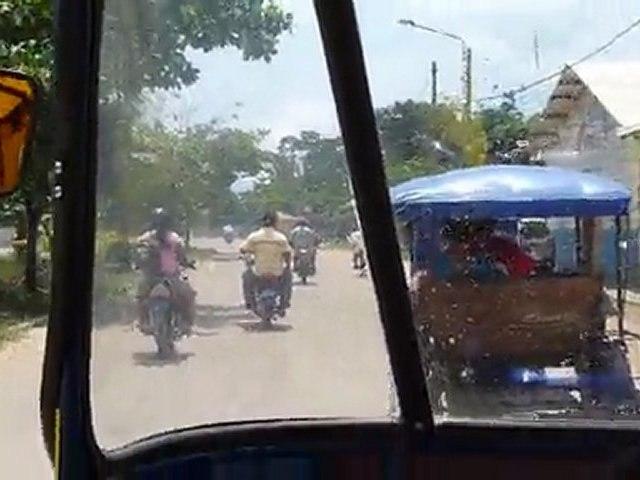 En moto taxi dans Puerto Maldonado