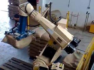 Erregi 2 Industriale impianto robot KUKA taglio sacchi caffè