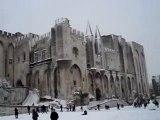 Avignon le Palais des Papes sous la neige le 8 janvier 2010