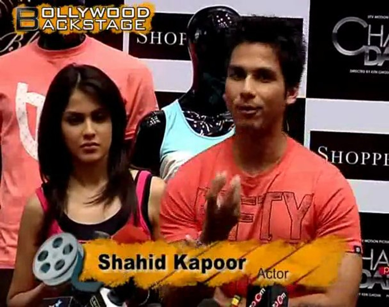 Genelia & Shahid Sell Clothes