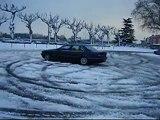"""""""Drift"""" BMW 725 tds E38 dans la neige !"""