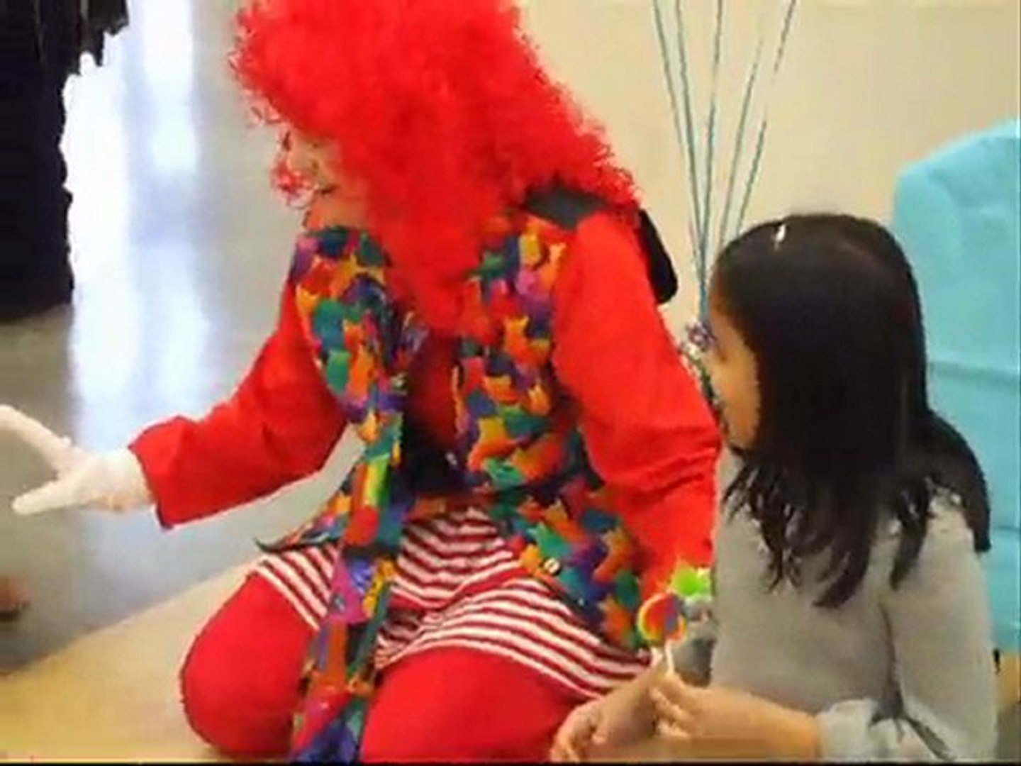 ROBOT CLOWN ENTERTAINMENT FOR CHALLENGED KIDS - VANCOUVER BC