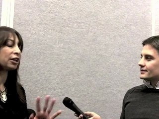 Easy to Assemble's Illeana Douglas interviewed at CES ...
