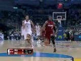 Dwyane Wade steals the ball and finishes with a huge slam du