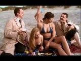 Pub Kriek 12 A la plage avec deux filles