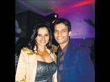 sania mirza hot cleavage show at her engagement