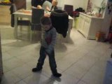 Juju danse sur Mickael Jackson