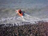 kayak sur galets en arrière.
