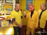 Les Demi-Frères et l'interviewer masqué