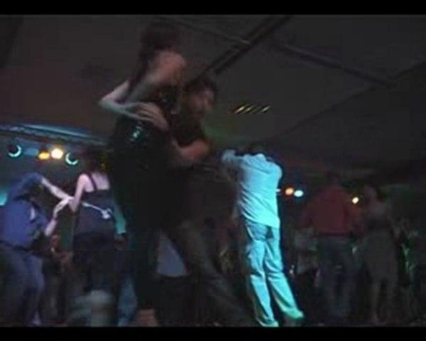 2010-02-06: Salsa party in Dursin: deel 2 zk