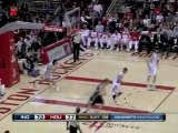 Troy Murphy feeds Danny Granger who in return hits him with