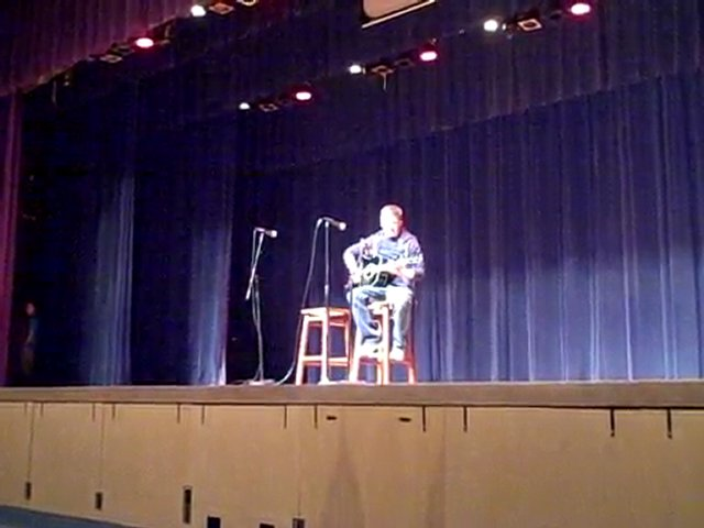 LHS Talent Show (Eli Carr – Run)