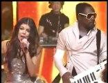 Black Eyed Peas - Meet Me Halfway (Live @ New Years 2010)