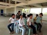 Jeux de la chaise musicale pour la classe A.F.S., Cambodge