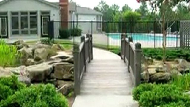 The Landings at Oak Hill Apartments in Union City, GA - ...